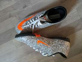 Nike UK size 9 Indoor Soccer Boots