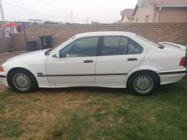 I'm selling a BMW 3 series.
