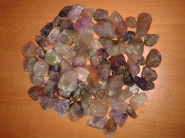 Натуральный камень флюорит для декоративного украшения грунта растений