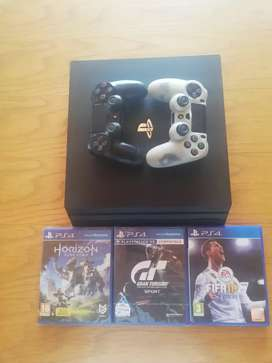 Ps4 pro gaming console