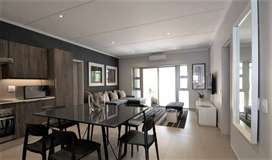 Looking for Flat Mate to Share a 2 Bedroom Apartment in Menlyn Maine
