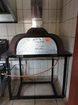 Gas Pizza Oven with Chimney, stand & 19kg gas bottle