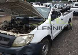 Toyota Hilux VVTI 2.0 (Code 4 stripping for parts o)