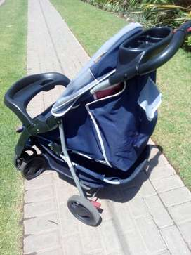 Robust Chelino Pram / Stroller At The Right Price