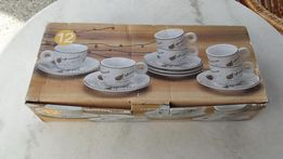 Фарфоровый кофейный набор- 12 предметов.