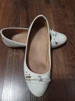 Продаются туфельки на девочку 36 размер