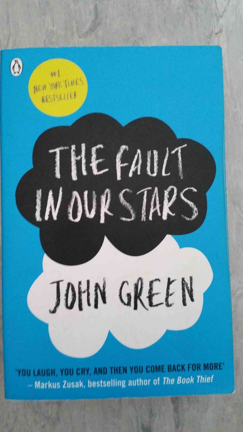 The Fault in our stars - John Green book 0
