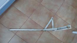 уголок металлический (крепления) 2 шт