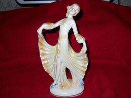Фарфоровая статуэтка из Германии.
