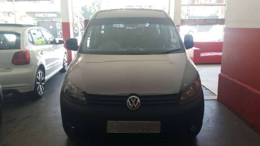 VW CADDY CREW BUS 2.0 7 SEATERS 0