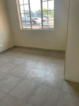 2Beds 2Bath Flat with Balcony. BIC in all rooms and fitted kitchen