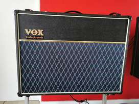 VOX AD120VT Guitar Amplifier with VC4 Controller