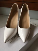 Белые свадебные туфли 39 р.