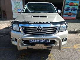 Toyota hilux 3.0 D4D double cab 2010 manual for SELL