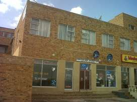 Bosmont 2 bedroom flat available