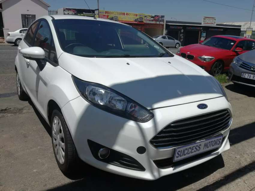 2012 Ford Fiesta 1.4 ambient 0