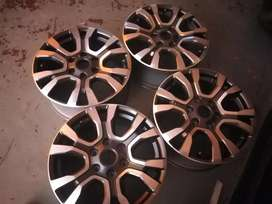 A set of 18inch  rims for 4x4 without tyres now available