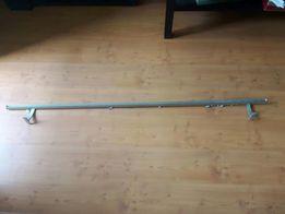 Karnisz inox płaski 161cm z mocowaniem, zaślepkami i zabkami
