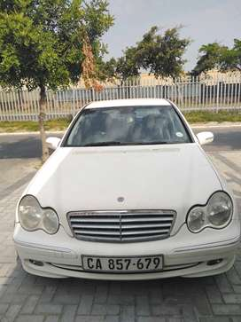 2004 C class Mercedes benzs for saleas is
