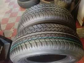 265/65/17 Dunlop AT tyres for r5800 a set of 4 tyres