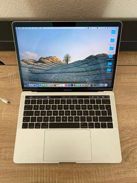 MacBook Pro Touch Bar 13 inch