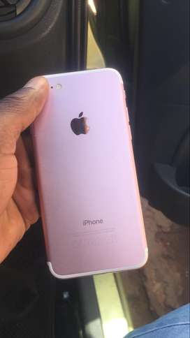 It's an iPhone 7 rose gold 32gb