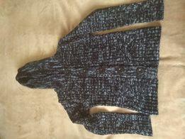 Swetr rozpinany z kapturem