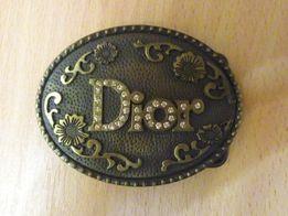 Пряжка Dior