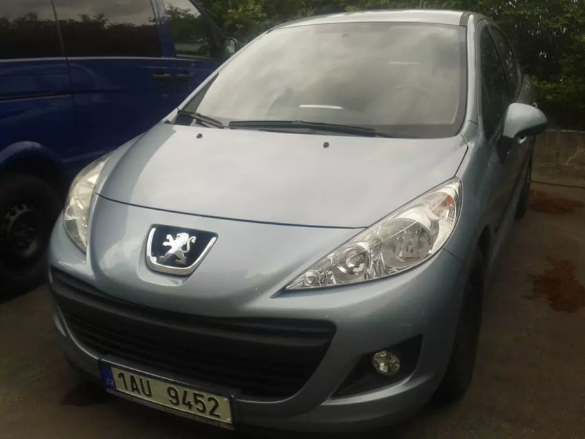 Peugeot 207 prodej nízký počet ujetých km 0
