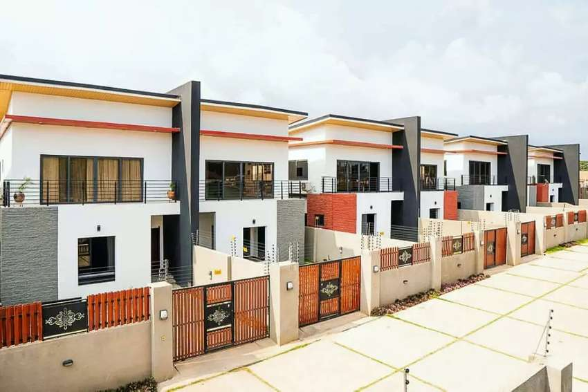 3 bedrooms self compound for sale 0