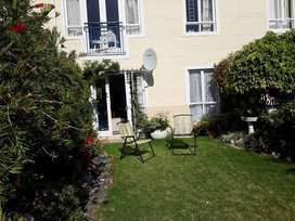 Charming 1 bed Garden Apartment in Security Complex in Sunnydale
