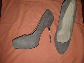 Zara Grey Suede Leather Size 7 - NEW