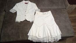 Продам женский белый кружевной костюм (юбка и жакет).
