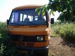 срочно продам микроавтобус Mercedes-210D пассажир