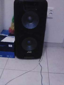 Jvc 2 10 inch subs trolley speakers