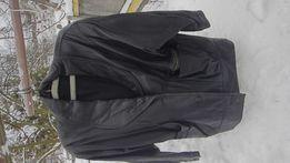 Продам натуральную черную кожанную женскую куртку
