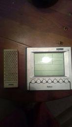 Електронный градусник для определения температуры в доме и на улице