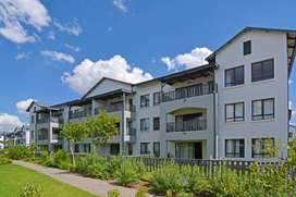 1 bedroom available in two bedroom apartment in Fourways/Broadacres