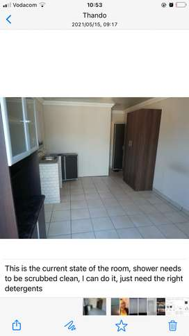 1 bed, 1 bath open plan room in Estherspark, Ext 1 R2500 .