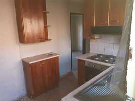 1 bedroom, with kitchen and bathroom in Mamelodi East,Ravele and Katse