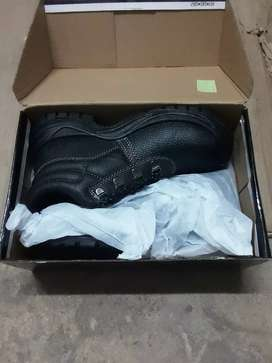 Size 3 safety boots