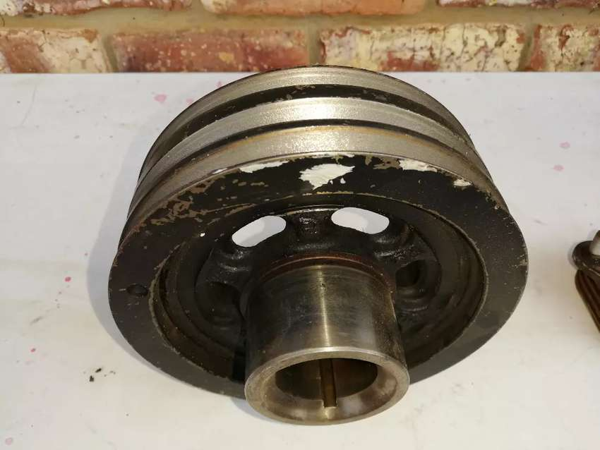 Mazda Drifter 3.0 miscellaneous pulleys 0