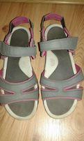 Sandały firmy Quechua rozmiar 38