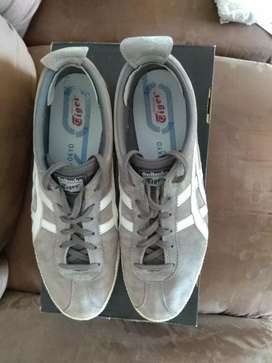 Onitsuka Tiger Mexico Size UK 11, worn few times only with org box