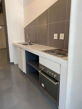 Spacious apartment to rent in Maboneng, R5000 Neg
