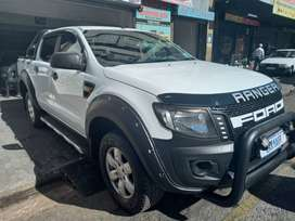 2016 FORD RANGER 2.2 6 SPEED WITH 108000KM