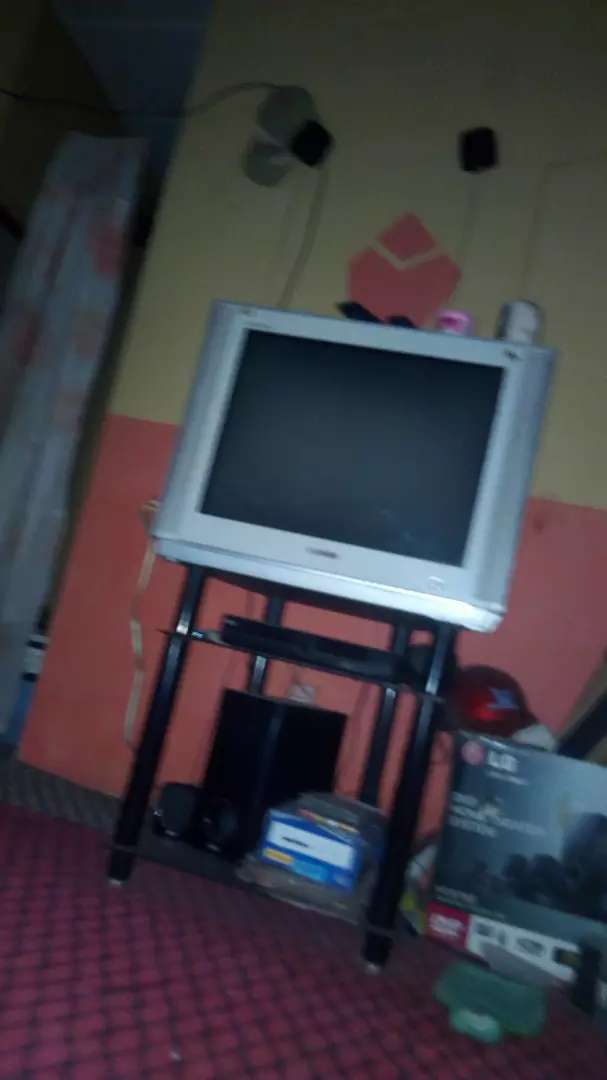 LG LCD TV for quick sale in gwagwalada 0