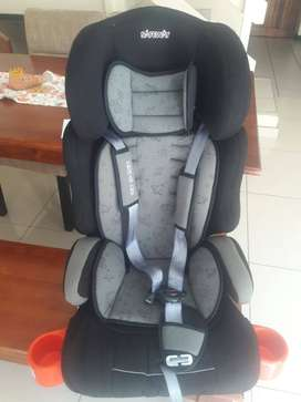 Still New!!! 2 x Safeway kids Car seats