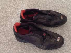 Men's Cycling shoes size 6.