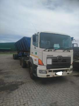 Hino 700 with side tipper trailer